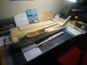 Cessna på byggbordet