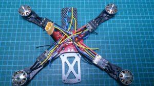 Dax att montera ESC och motorer